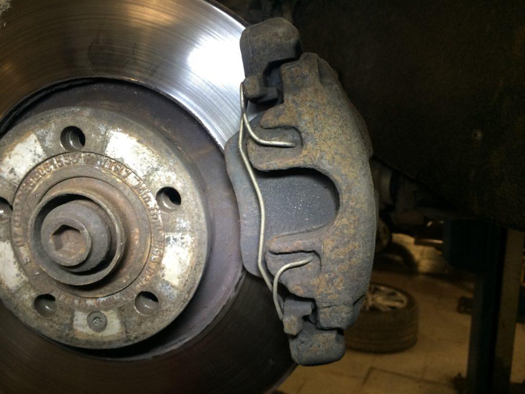 Замена колодок Audi A4
