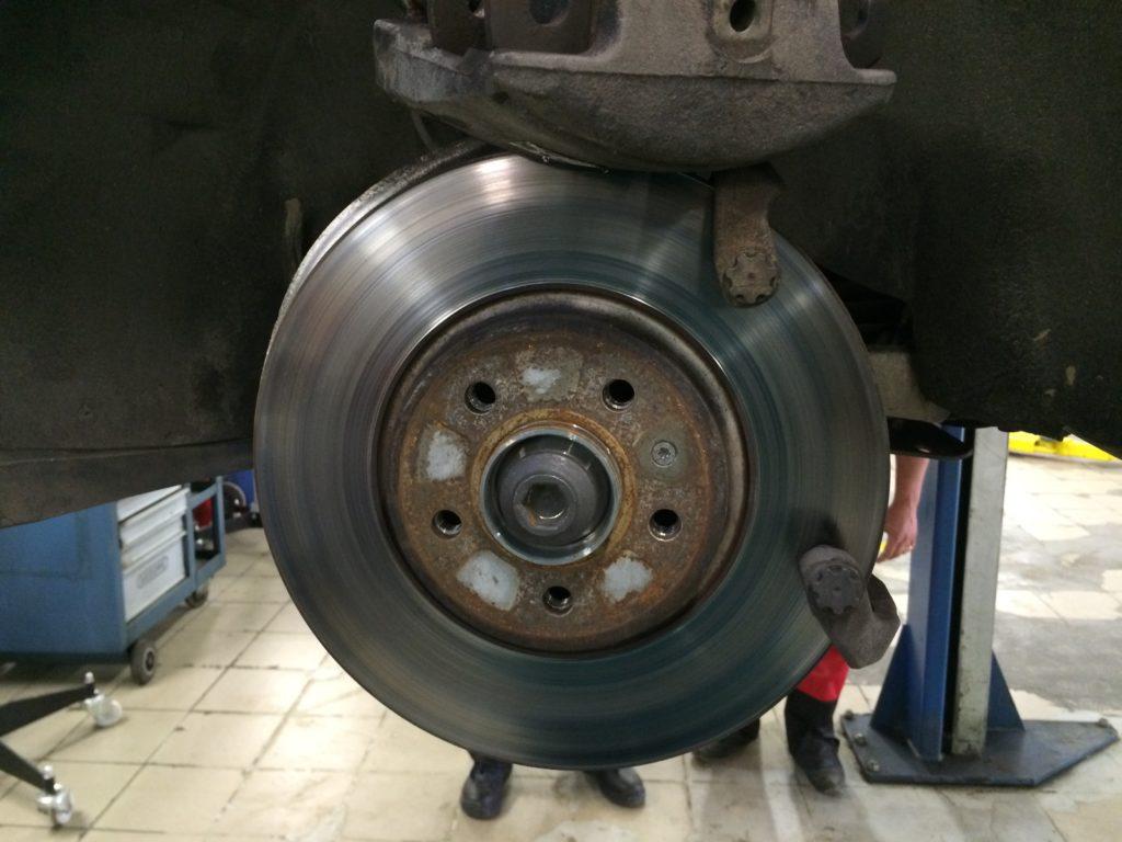 Тормозной диск и тормозной суппорт Audi A5