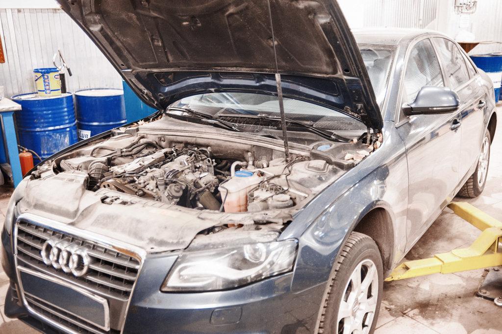 Проверяем состояние ремня ГРМ Audi A4