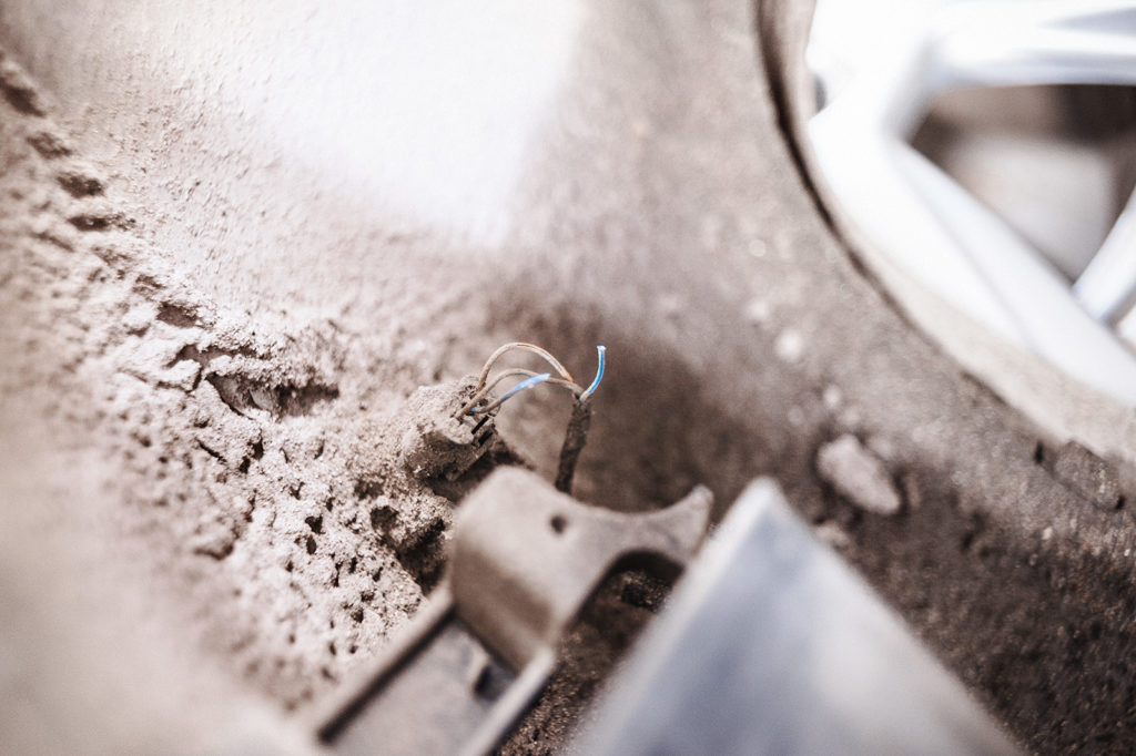 Обрыв провода Audi A4
