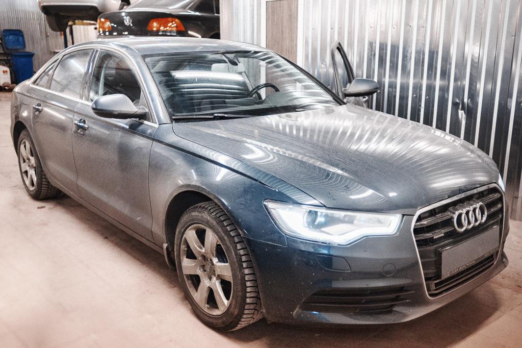 Техническое обслуживание Audi A6 закончено, машина на выдаче.