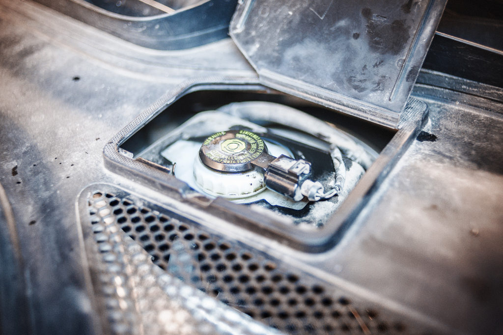 Бачок тормозной жидкости Audi A6