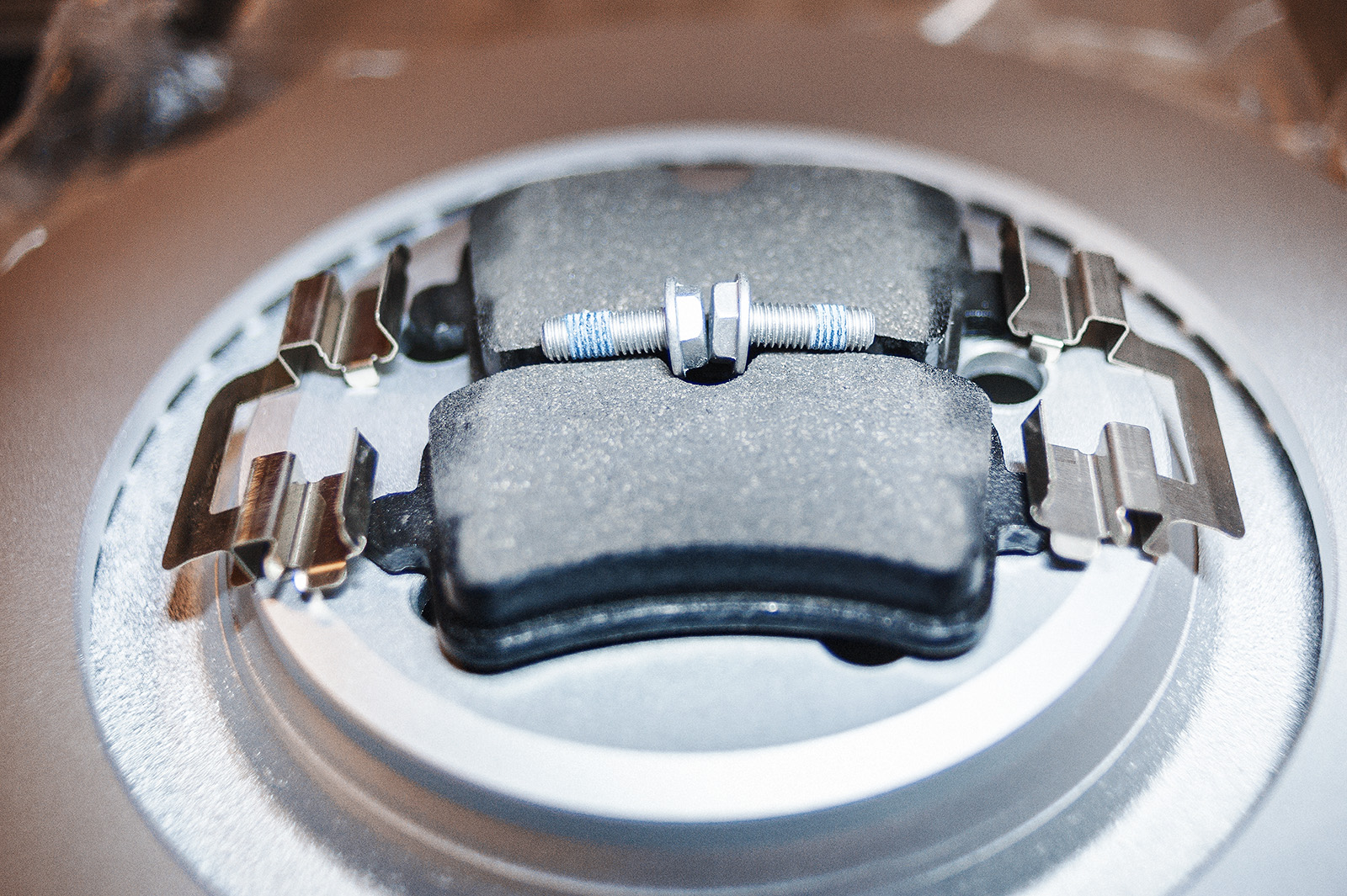 Замена колодок Audi A7 (плюс диски)