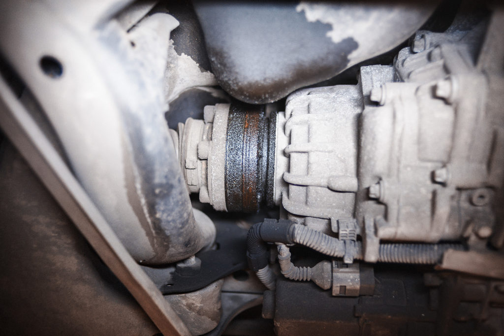 Течь в районе заднего правого привода Audi S5