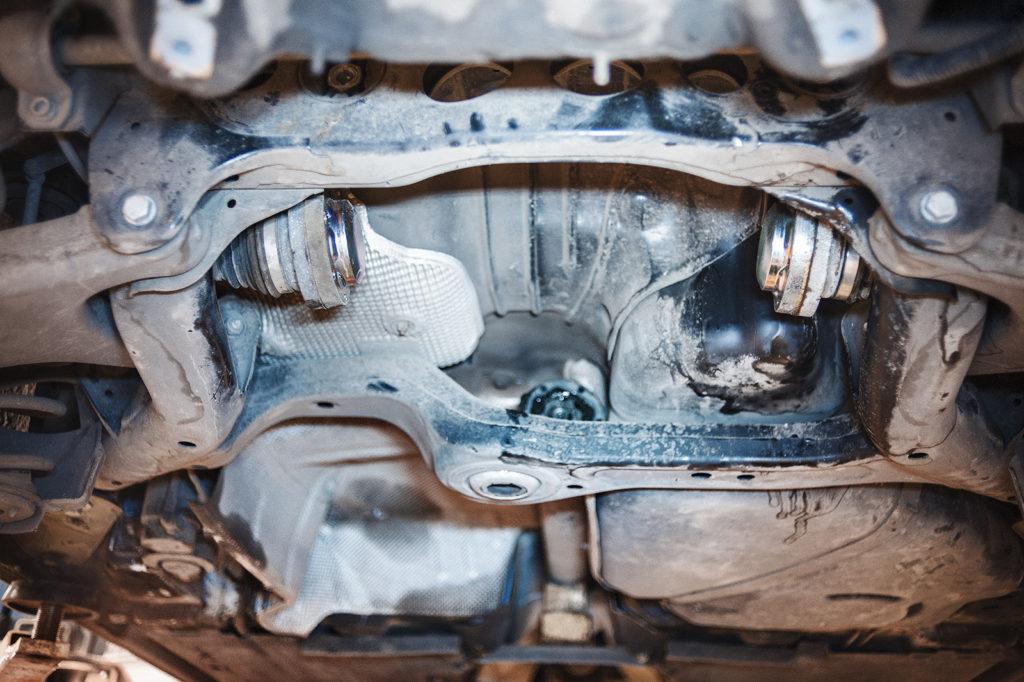 Снимаем задний редуктор Audi S5