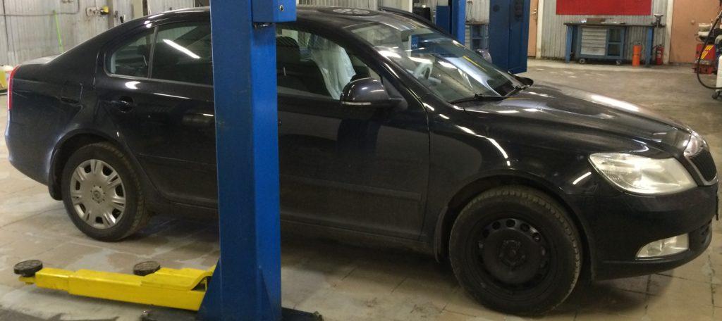 Автомобиль Skoda Octavia готов к замене колодок