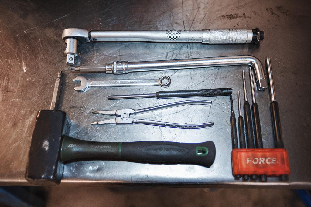 Рабочий инструмент для работы с коробкой Skoda Octavia