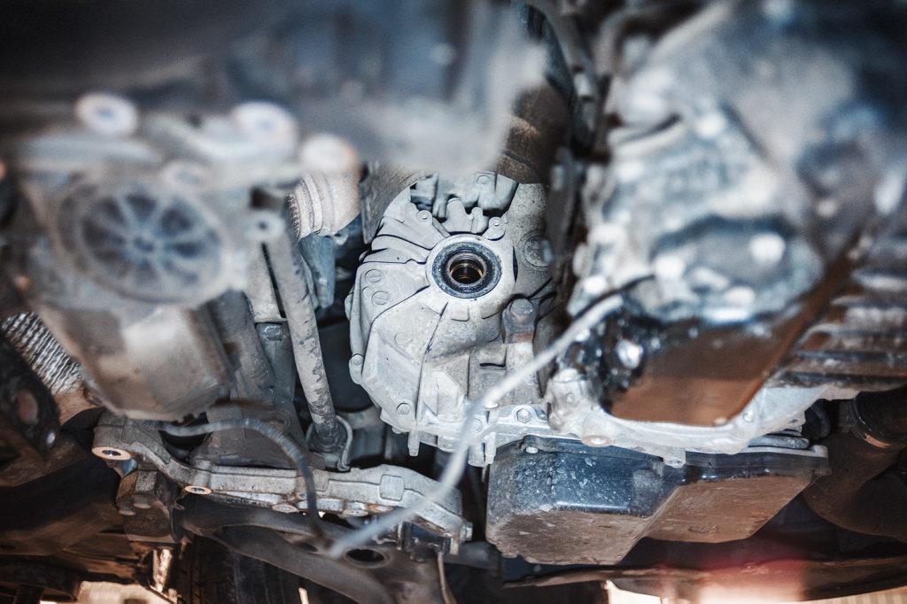 Коробка Skoda Octavia с демонтированным правым приводом