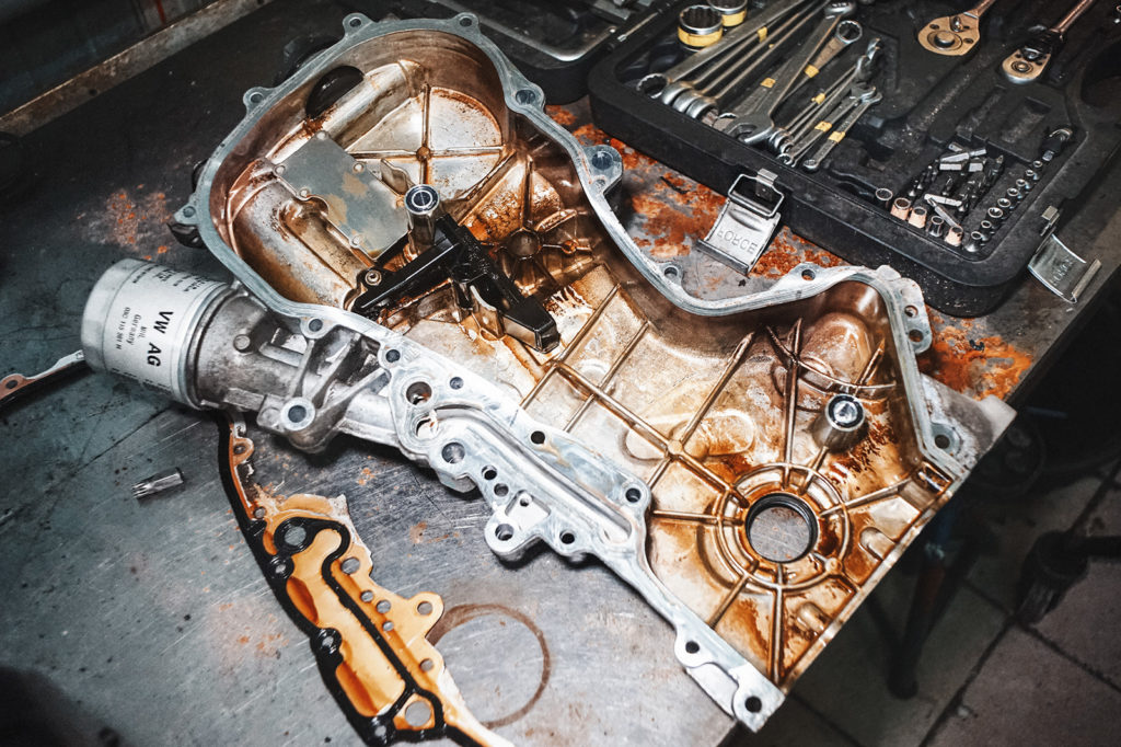 Крышка двигателя Шкоды Фабия