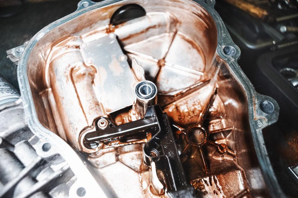 Новые уплотнительные кольца крышки двигателя Шкода Фабия