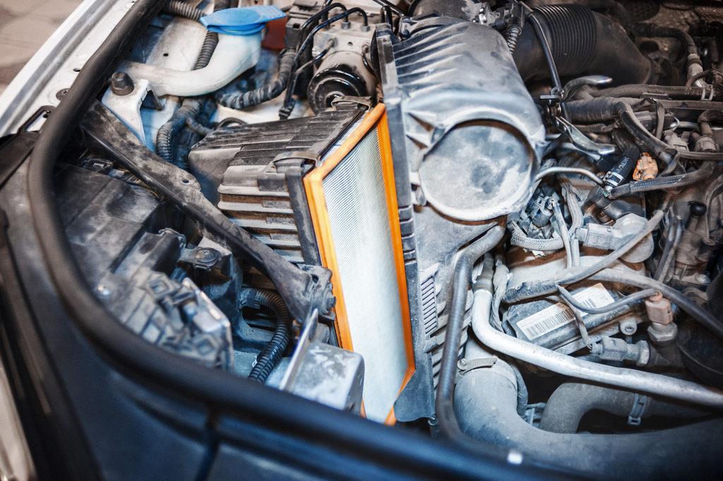 Замена воздушного фильтра Volkswagen Touareg NF 3.0 TDI