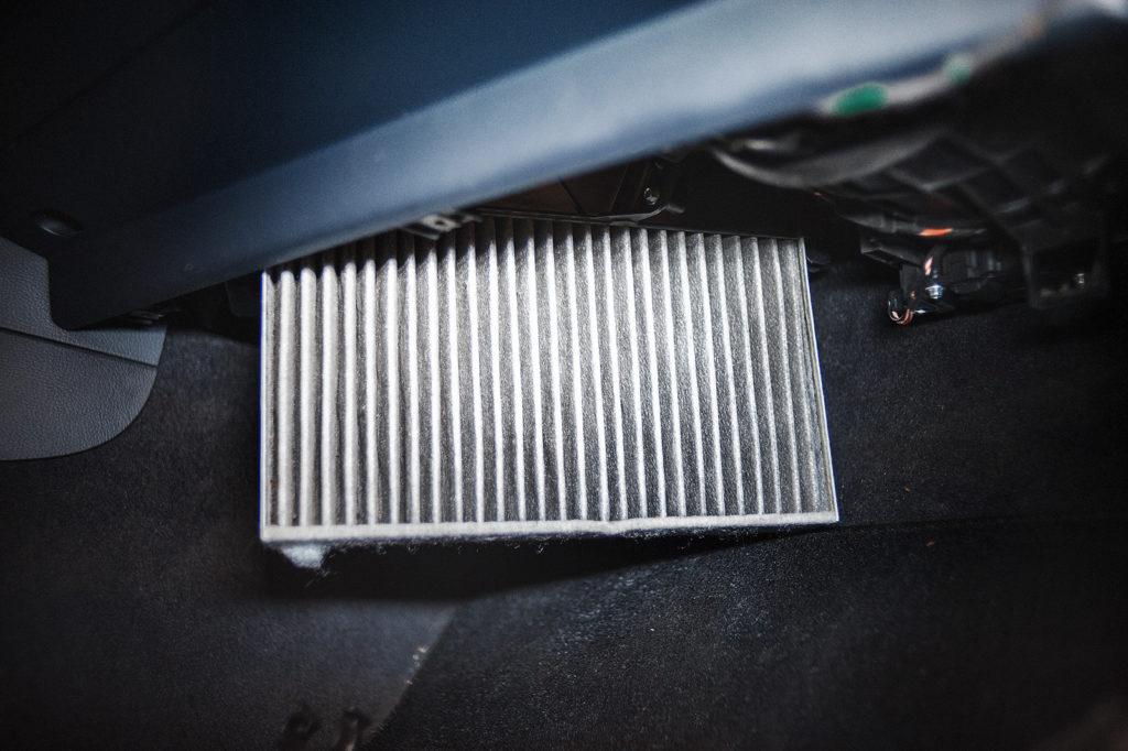 Замена салонного фильтр Volkswagen Touareg NF 3.0 TDI
