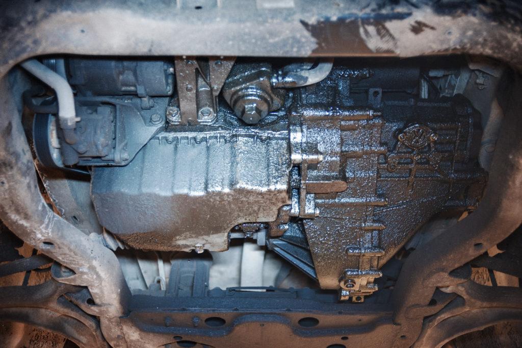 Транспортер с острым двигательным маслотечением