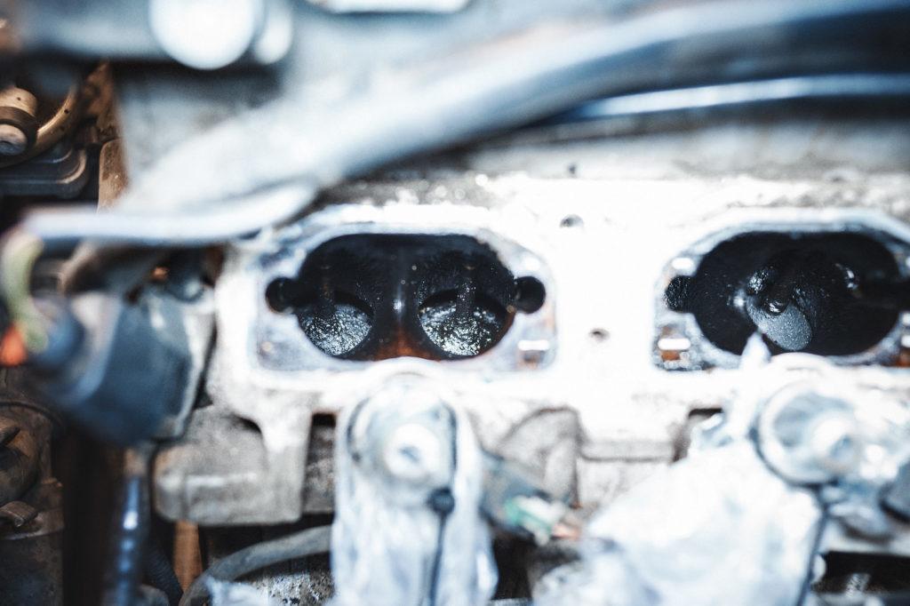 Впускные клапаны Audi A8 до чистки