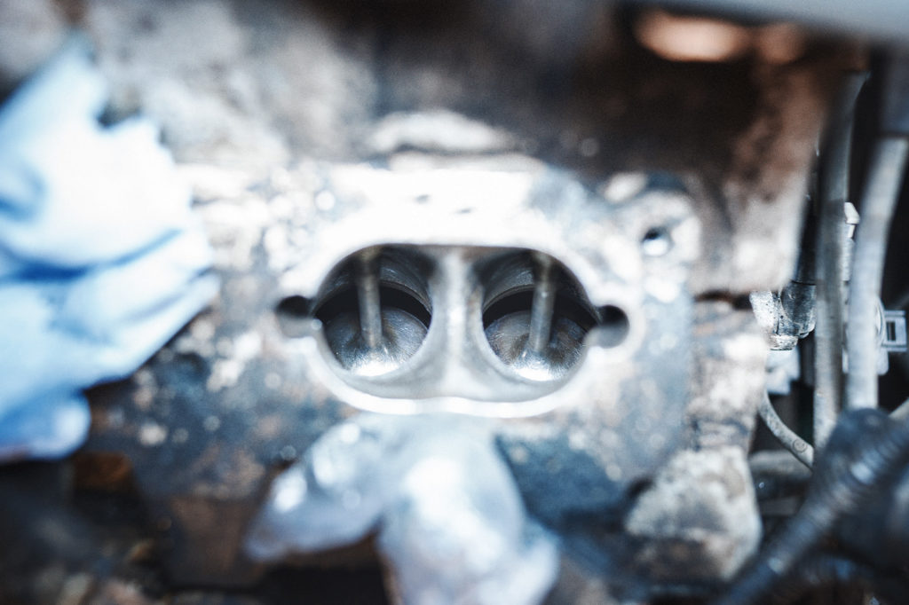 Впускные клапаны Audi A8 после ряда циклов чистки