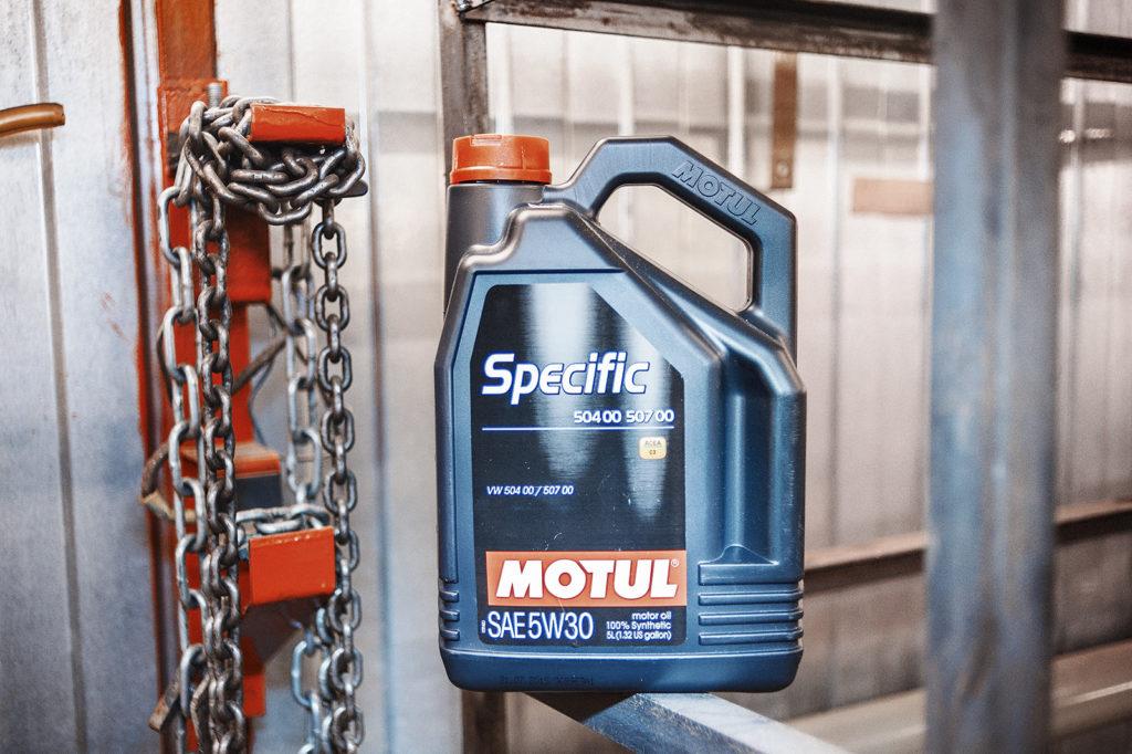 Моторное масло со всеми необходимыми допусками