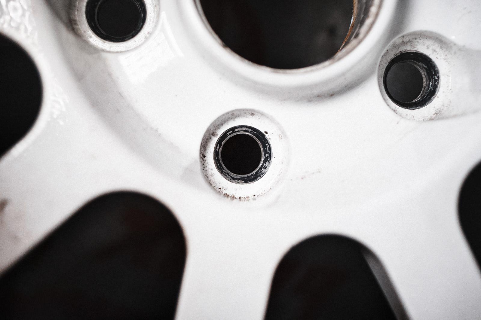 Замена колёсных дисков Сеат Алтеа – опасный шиномонтаж
