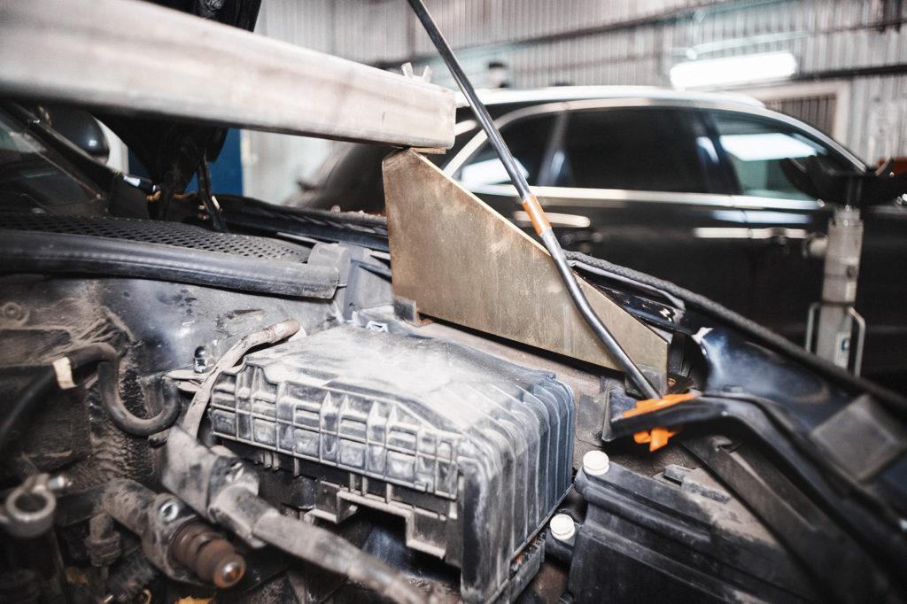 Октавия в кузове А5 требует специфических опор для траверсы