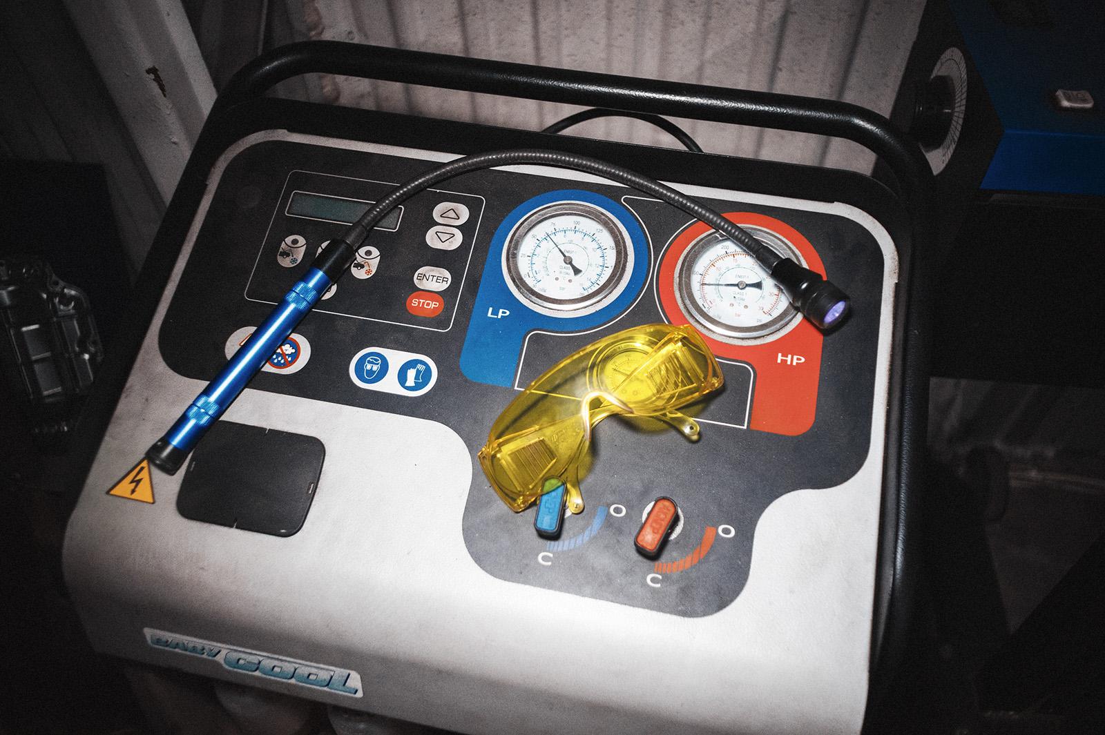 Трубка кондиционера Ауди Q7 – поиск течи и замена
